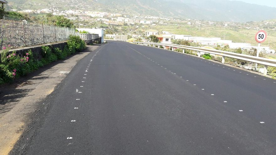 Tramo repavimentado en la carretera de El Zumacal.