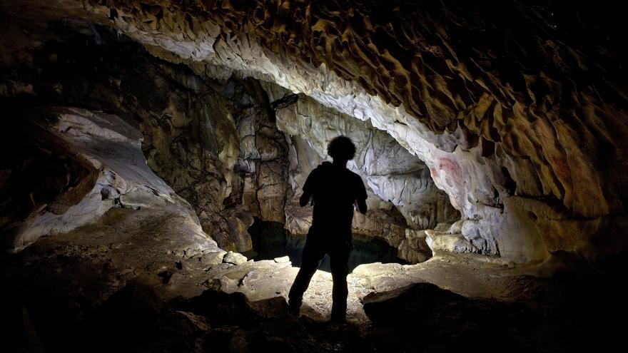 El Ayuntamiento insiste en investigar las cuevas de Chufín, Micolón y Porquerizos