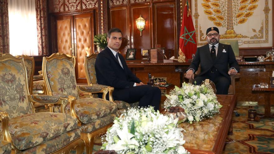 Pedro Sánchez en una reunión con Mohamed VI en una visita a Rabat en 2018.
