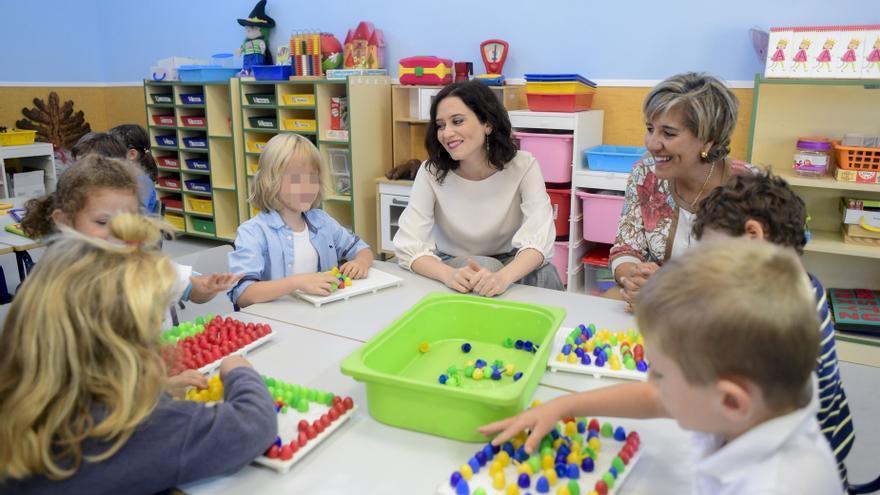 Isabel Díaz Ayuso en un colegio. / Comunidad de Madrid