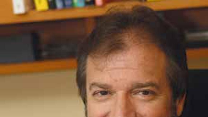 El consultor y especialista en dirección y gestión de valores en la empresa, Adolfo Jarrín.
