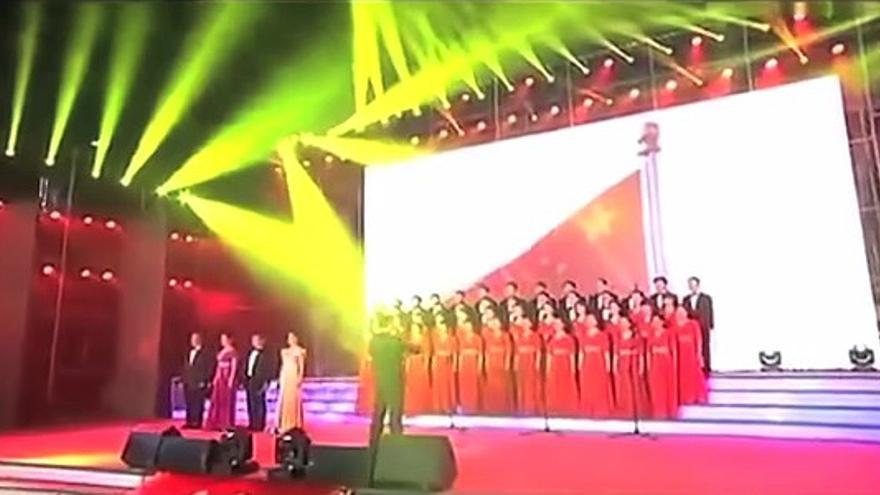 Un coro chino canta en honor a la censura en internet (Foto: Youtube)