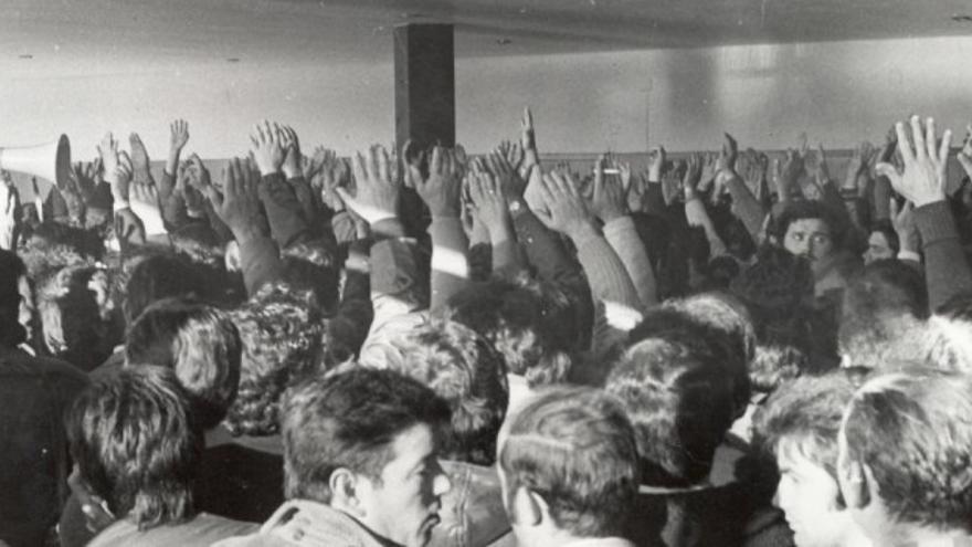 """Una de las imágenes del libro 'A prensa en Galicia na Transición"""""""