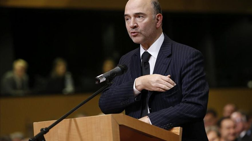 Moscovici visita Atenas para mostrar el apoyo europeo a las reformas