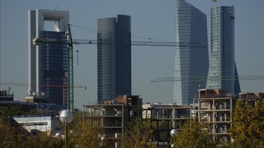 """Del Madrid árabe a los rascacielos """"desafortunados"""" de las Cuatro Torres"""
