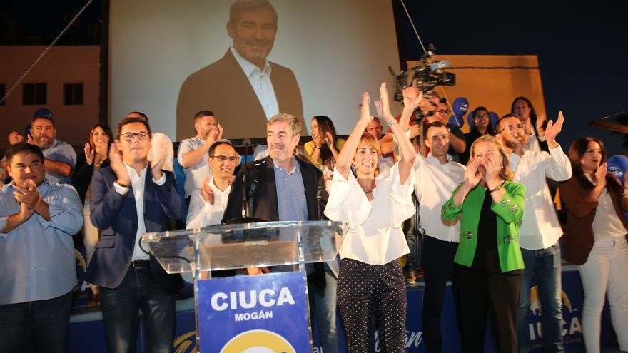 Pablo Rodríguez, vicepresidente del Gobierno, Fernando Clavijo, presidente, Onalia Bueno, alcaldesa de Mogán y Ana Oramas, diputada de CC en un mitín en Mogán.