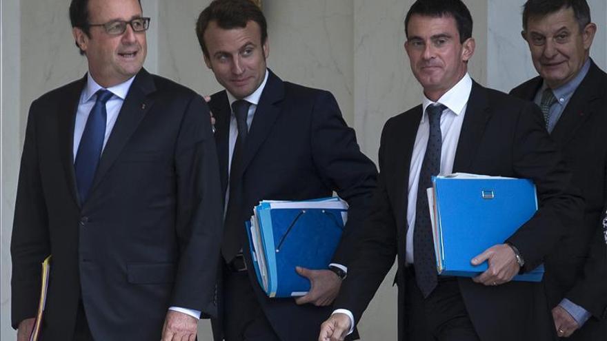 Hollande insiste en adecuar políticas de estabilidad presupuestaria en la UE