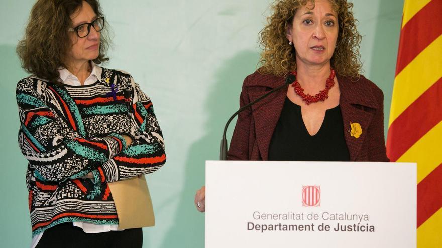 Heras, junto a la consellera Ester Capella