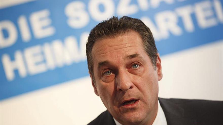 Los ultras austríacos piden sumarse al bloque opuesto a las cuotas de refugiados