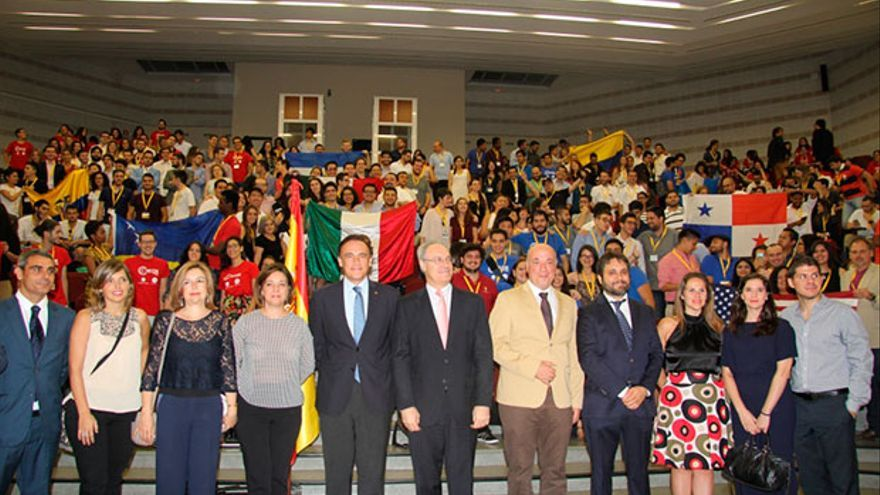 Inauguración del campeonato de debate, en Rabanales.