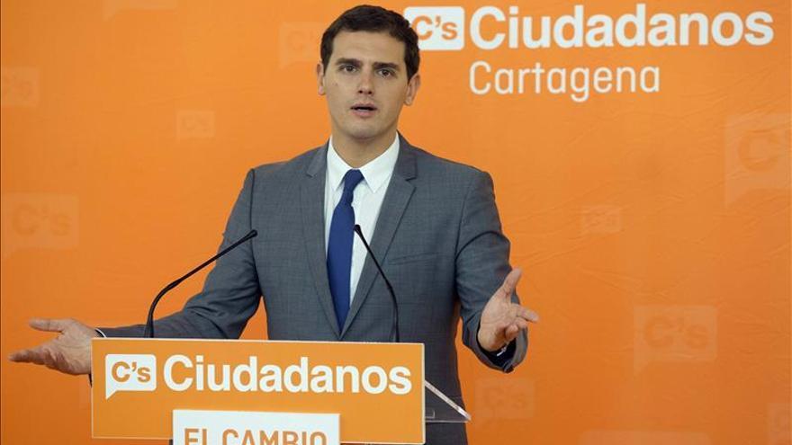 """Rivera: """"La moción (en Cataluña) se tiene que recurrir en el minuto uno"""""""