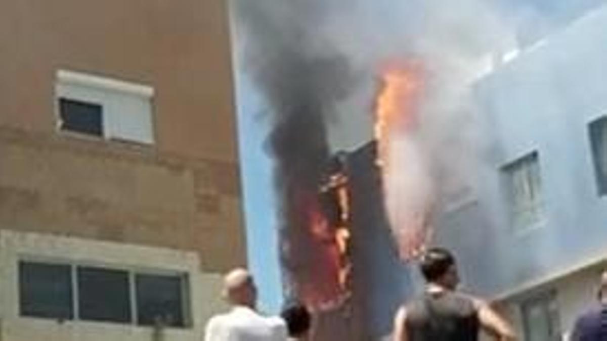 Vivienda en llamas en una casa en el municipio grancanario de Agüimes