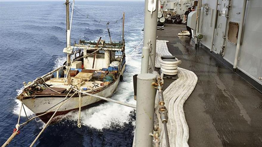 Piratas somalíes secuestran un barco petrolero de bandera de Sri Lanka