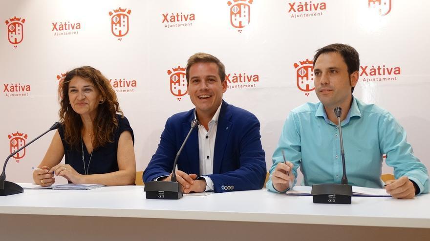 Cristina Suñer (Compromís), Roger Cerdà (PSPV) y Miquel Lorente (EU)