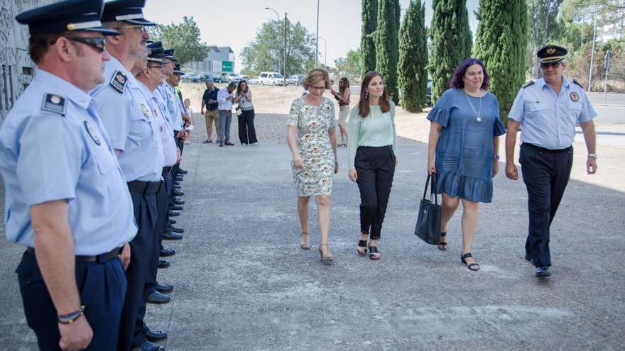 Begoña Garcia Isabel Gil Rosiña Policía Local