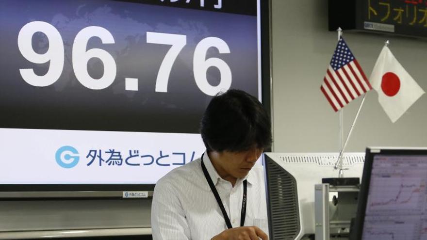 Japón vigila de cerca la depreciación de las divisas en los emergentes