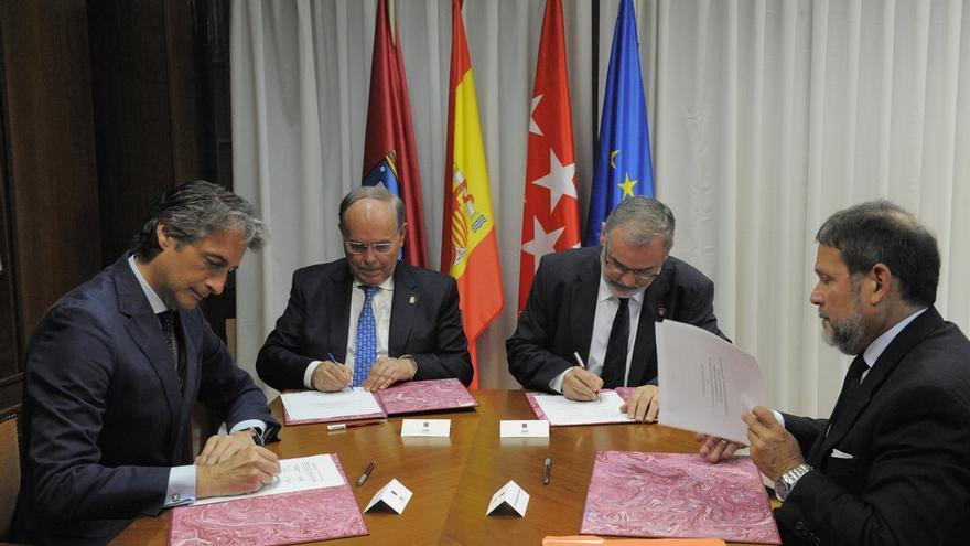 Santander, BID, UIMP y UC promoverán la colaboración entre ciudades y univeresidades