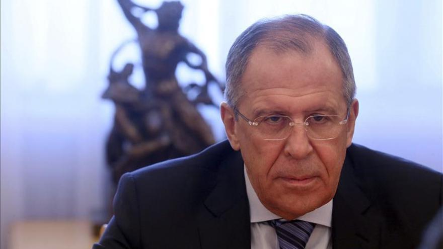 Lavrov aboga por ultimar la línea de separación entre las tropas de Kiev y los insurgentes