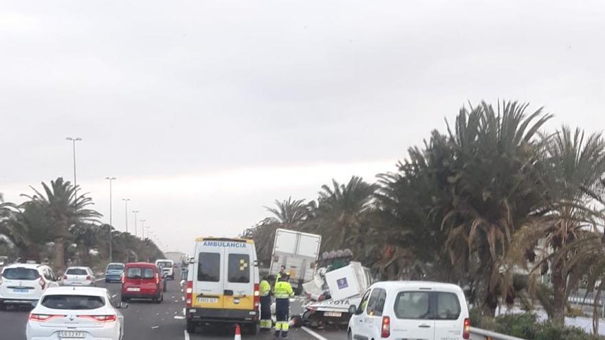 Accidente en la GC-1, a la altura del aeropuerto.