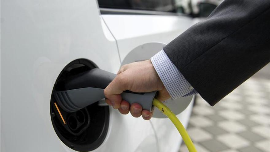 El momento actual es el idóneo para electrificar el transporte, dicen los expertos