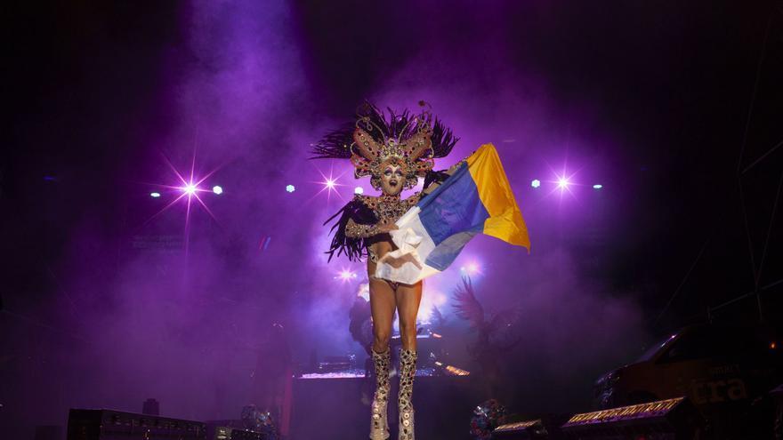 Las drags del carnaval de las palmas de gran canaria se for Puerta del sol en directo ahora