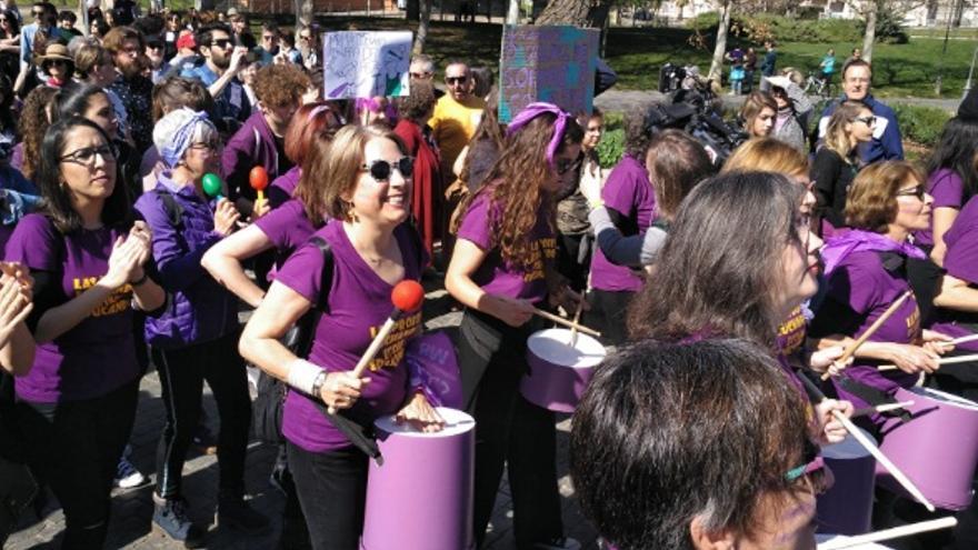 Una batucada de mujeres, en la manifestación de Mérida