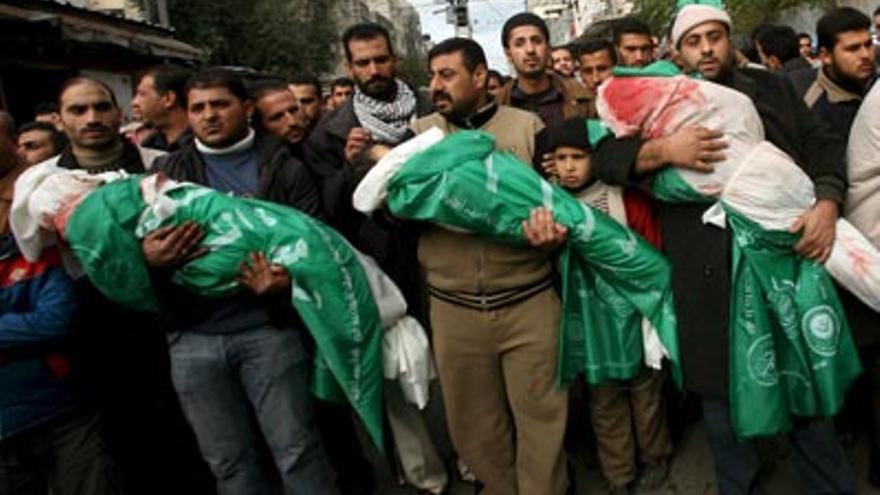 Funeral por varios niños asesinados en Gaza en 2012, durante un ataque israelí (Efe)