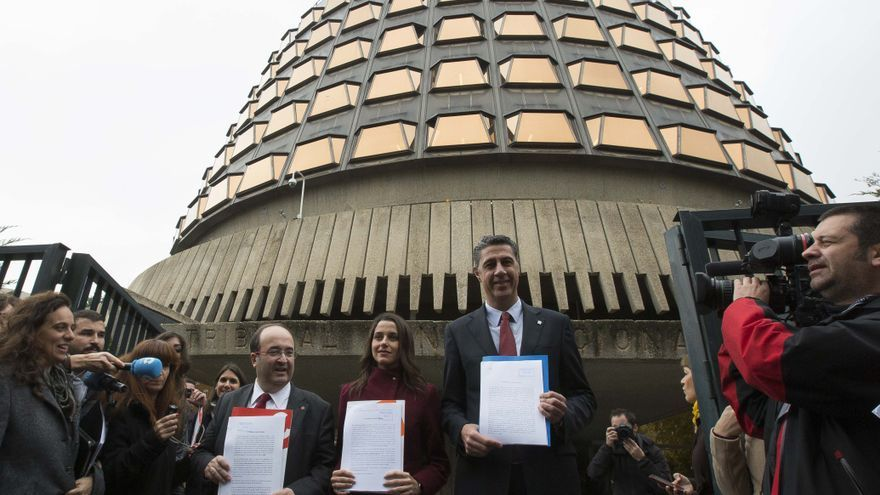 Iceta (PSC), Arrimadas (Cs) y Albiol (PP) presentan sus recursos ante el constitucional