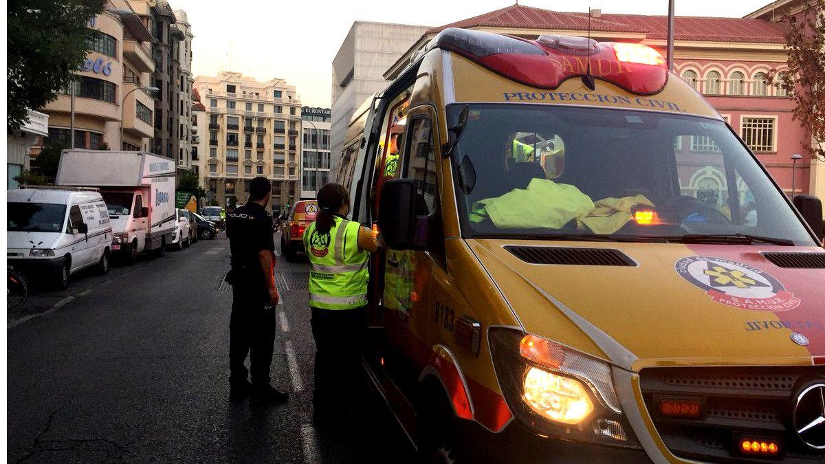 Intervención del SAMUR en el apuñalamiento de los Jardines del Arquitecto Ribera | EMERGENCIAS MADRID