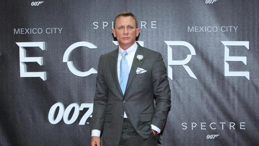 """El actor Daniel Craig subastará en abril su coche Aston Martin """"007"""""""