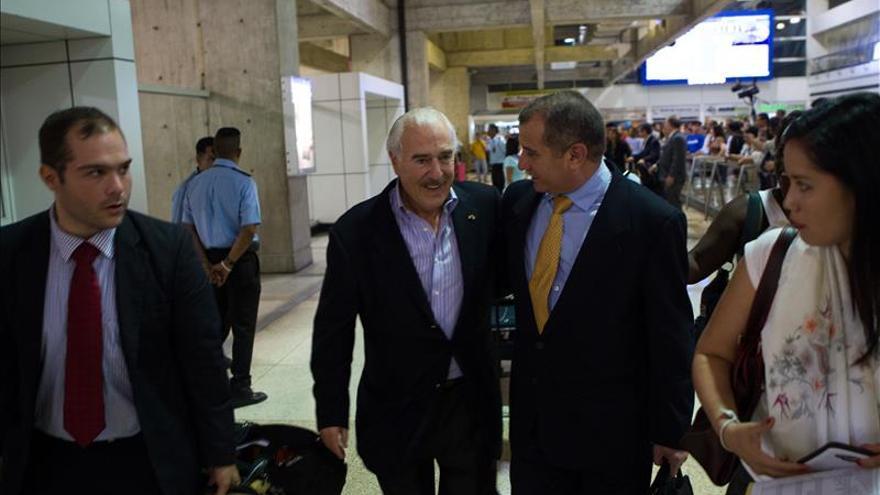 Expresidentes latinoamericanos evocan carta de Almagro al llegar a Caracas