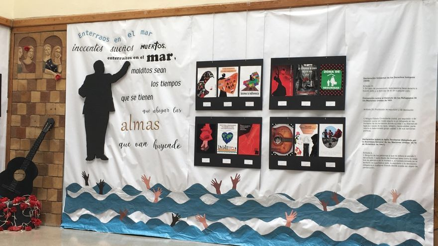 Exhibición por los estudiantes de Diseño Gráfico del IES Llanes