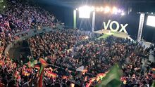 Vox se crece: el partido de ultraderecha llena Vistalegre