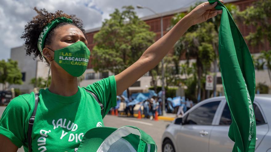 Diputados dominicanos votan a favor de permitir el aborto en un único caso