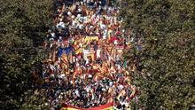 La marcha transcurre en un ambiente festivo y reivindicativo