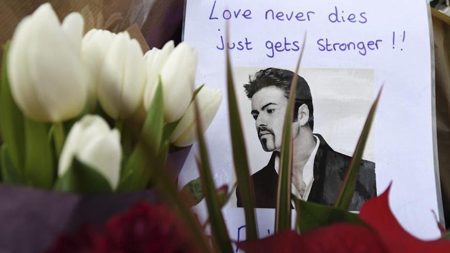 """La autopsia a George Michael arroja resultados """"no concluyentes"""""""