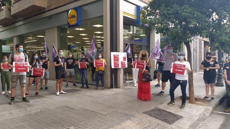 Imagen de la huelga en un establecimiento valenciano de Lidl
