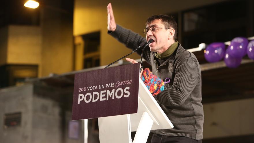 Juan Carlos Monedero en el acto de campaña de Podemos en Gran Canaria (ALEJANDRO RAMOS)