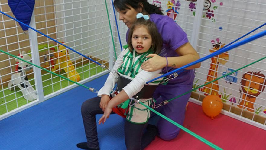Evolución de Natalia durante el tratamiento con el Método Therasuit FOTO: Asociación Esclerosis Múltiple de Albacete