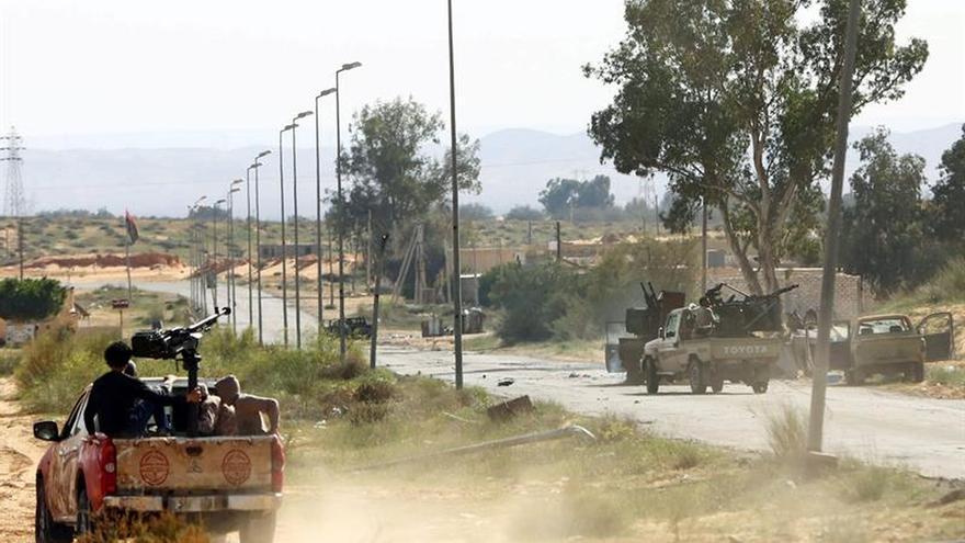 Muertos diez soldados afines al gobierno de unidad libio en combates cerca de Sirte