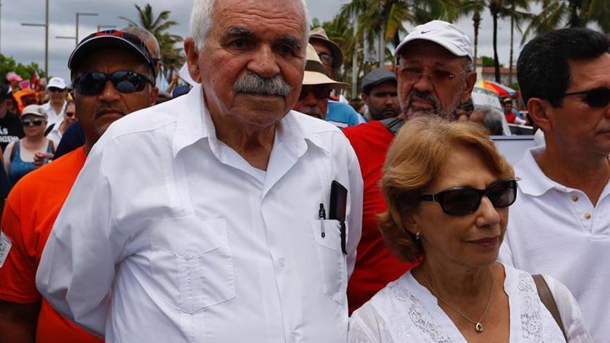 Independentistas puertorriqueños lamentan la muerte de su aliado Fidel Castro