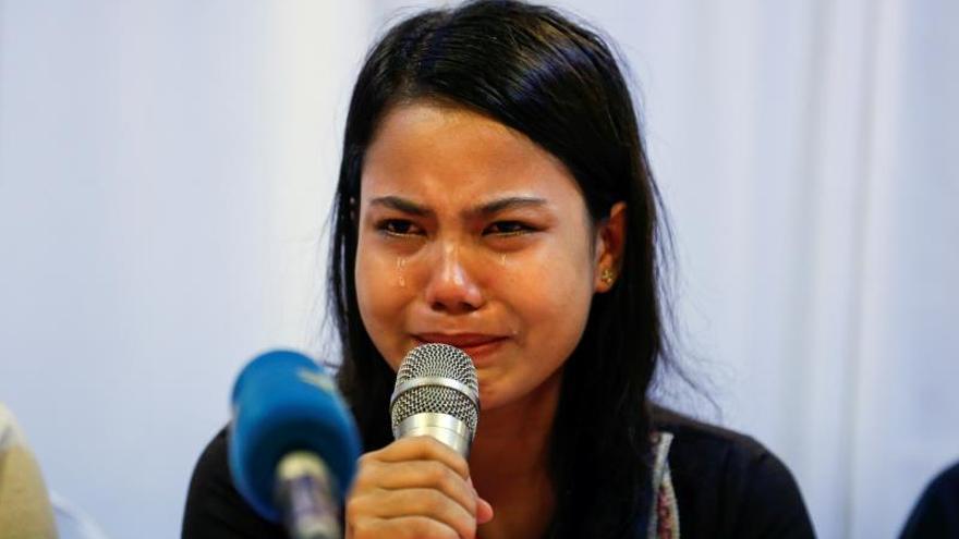 Las familias de los periodistas de Reuters condenados piden a Suu Kyi su liberación