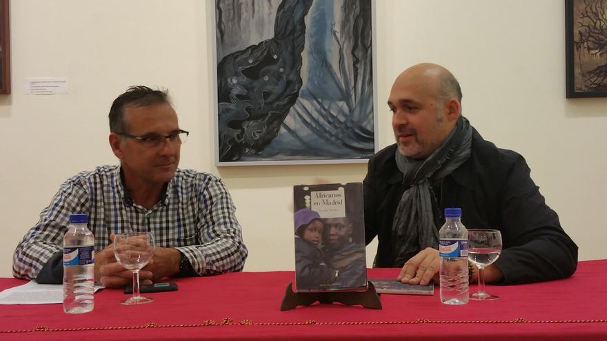Manu Marzán (i) y Nicolás Melini durante la presentación. Foto: LUZ RODRÍGUEZ.