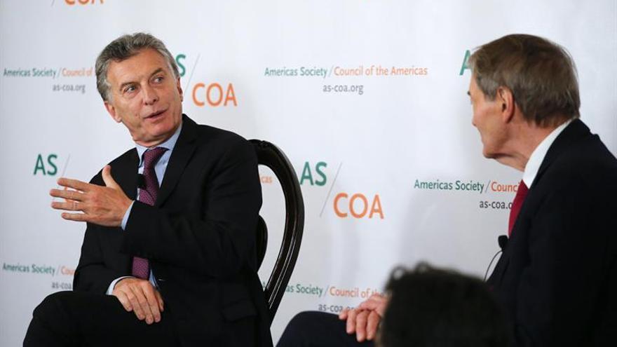 El presidente Macri recibe la medalla de oro de la Sociedad de las Américas