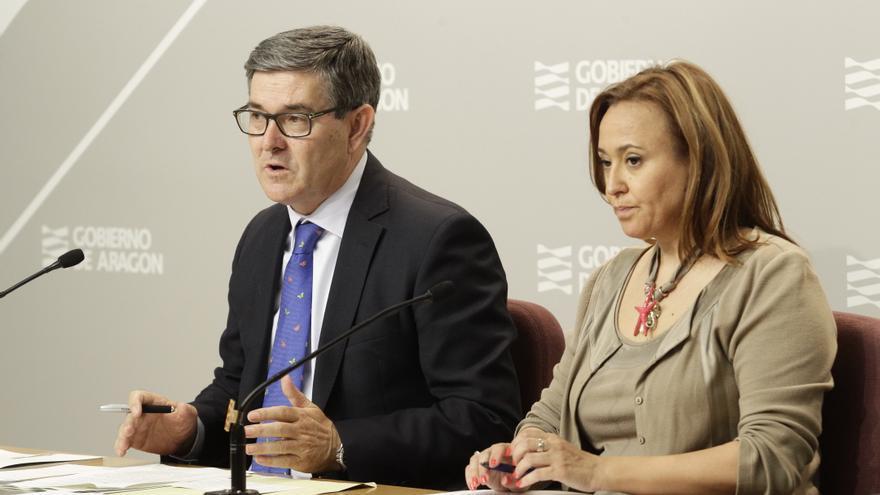 El consejero de Presidencia, Vicente Guillén, y la consejera de Educación, Mayte Pérez