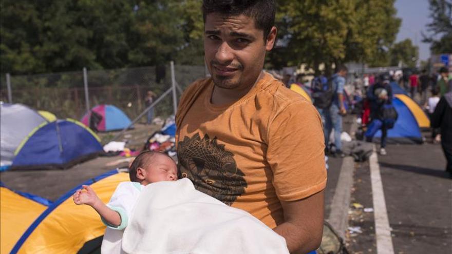 El pequeño Ali sabe lo que es guerra y el exilio con solo cinco días de vida