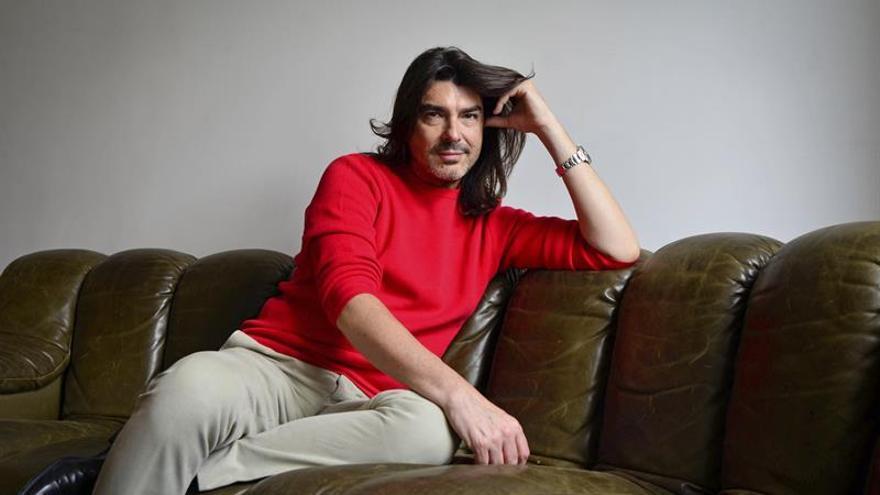 El diseñador Stephane Rolland se inspira en el artista español Palazuelo