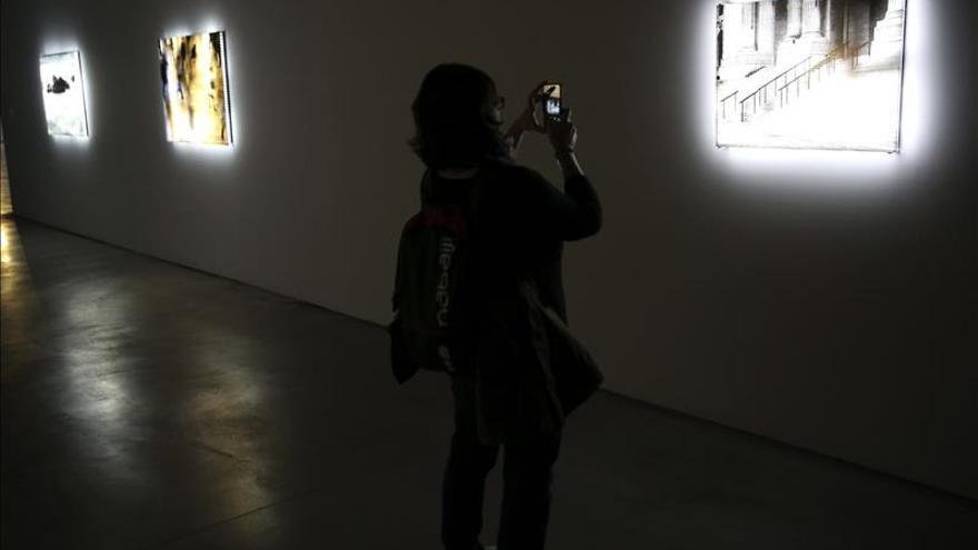 Fundación Telefónica acoge la obra del artista de la luz Jim Campbell