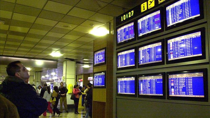 El temporal obliga a cancelar o desviar una cincuentena de vuelos en Niza