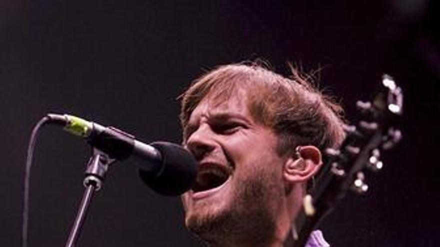 Caleb Folowill, cantante de los Kings of Leon, durante un concierto
